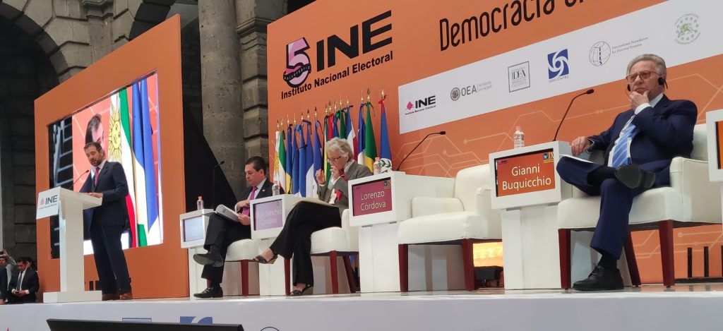 Election Commission Delegates in an Experience-Sharing Visit in Mexico City